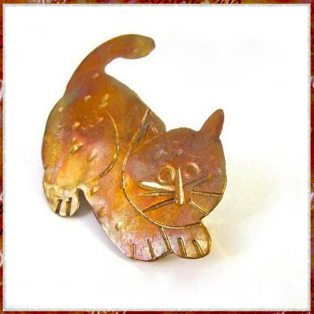 Copper Kitty Cat Brooch by Mollie Meserve Designs