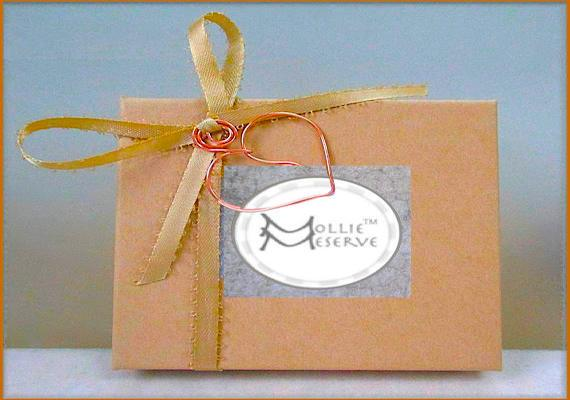 Presentation box, complementary with purchase of jewelry by Mollie Meserve Designs