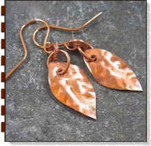 Load image into Gallery viewer, Rustic Copper Autumn Leaves Earrings