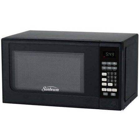 .7 cubic foot, 700 watt microwave (Black)