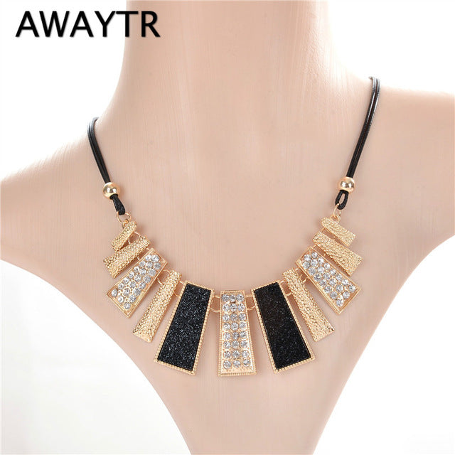 AWAYTR Luxury Vintage Gold Chain Rhinestone Necklaces   Pendants Necklace  Trendy Autumn Wedding Jewelry Accessories For ... 2e5094978ca0