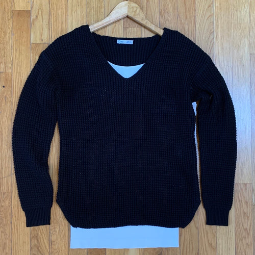 Beveled Hem V-Neck Sweater