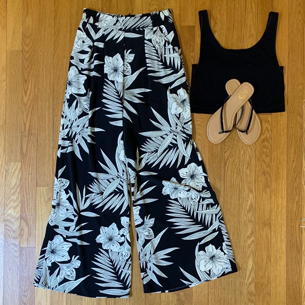 Tropical Wide Leg Pant