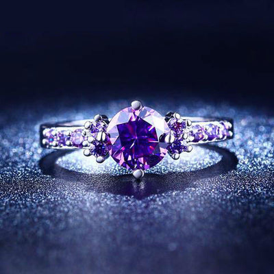 White Gold Ring With Purple Amethyst Diamond