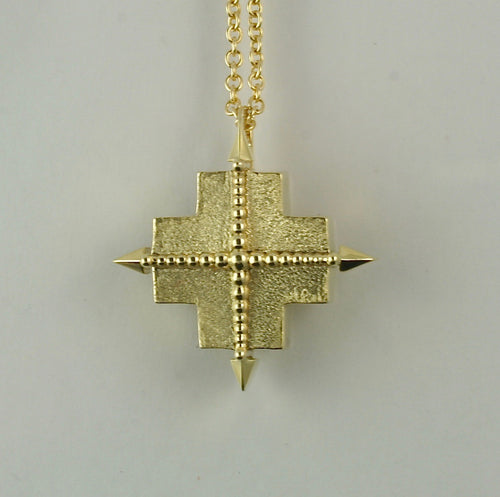 True North Pendant in 18K yellow gold, 15mm