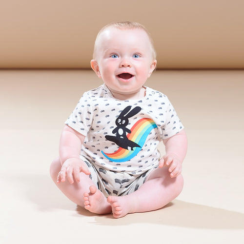 BABY BOY/GIRL RAINBOW SURF BUNNY APPLIQUE SHORT SLEEVE T SHIRT