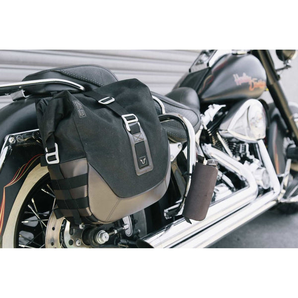 Legend Gear set geanta laterala - Negru Edition Harley Davidson Softail Deluxe, Heritage Classic.