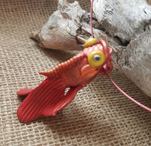 Goldy Fish on a Wire