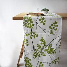 Table Runner - Gift Tree