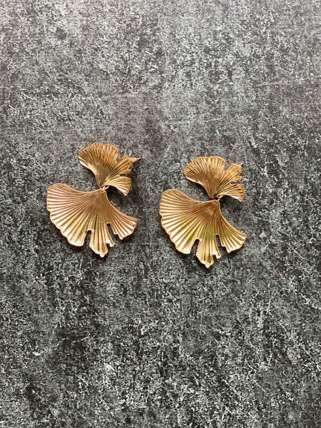 Flower earrings (gold)