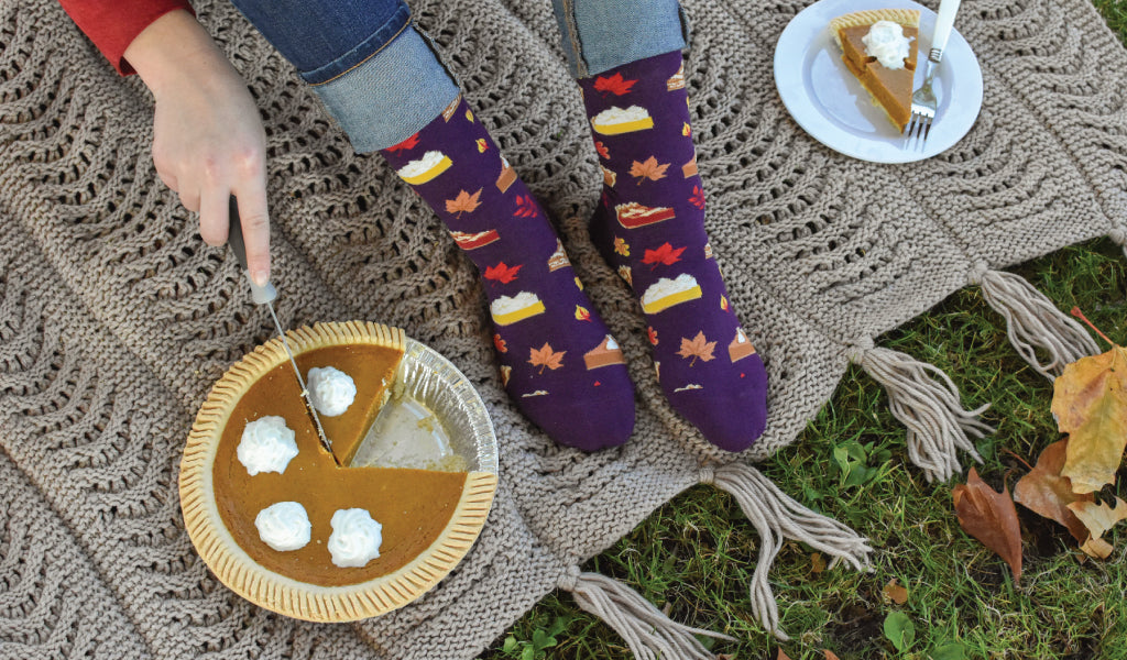 Yummy autumn pies... socks and the recipe to match!
