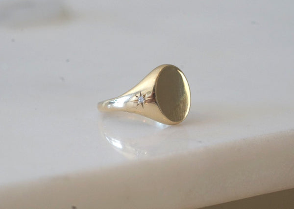 Luna Freckle Signet Ring
