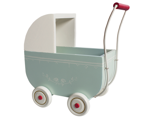 Large Pram With Bedlinene