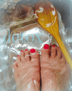 5 Benefits of a Mini Detox Foot Soak