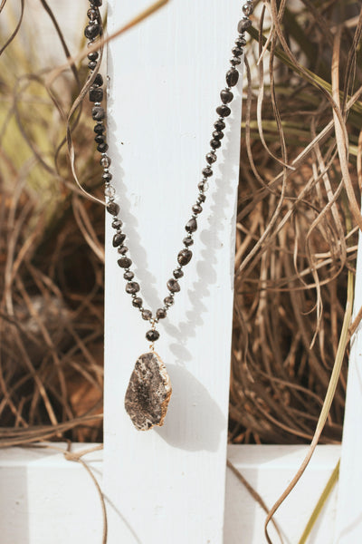 Yukon Stone Necklace (Black)