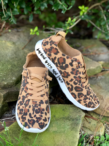 Mayo Leopard Tennies