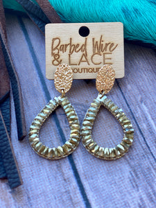 Chasin you Earrings (Clear Brown)