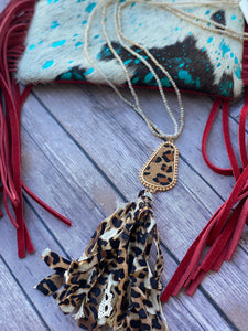 Leopard Gumdrop Pendant Necklace