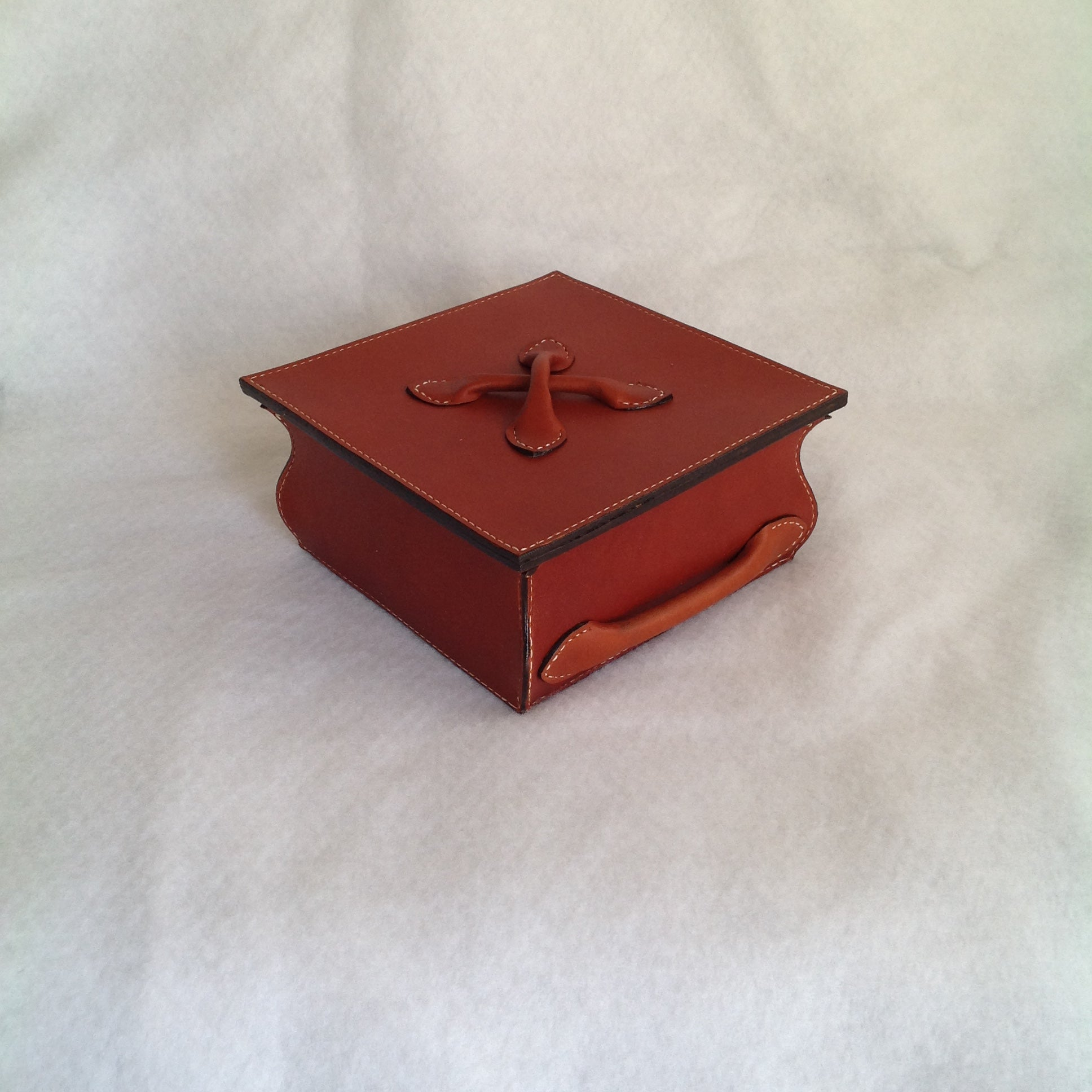 Medium Square Box with Lid Tan