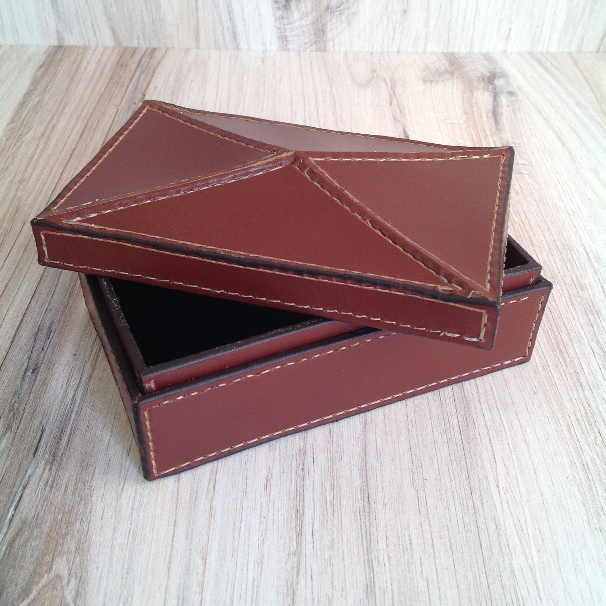 Rectangle Box with Peaked Lid