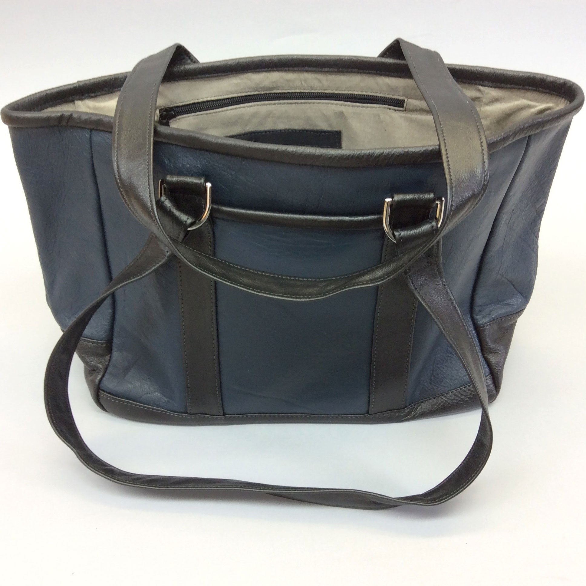 Knight Leather Tote Bag Front Navy w Black Accent 6967-NVBK
