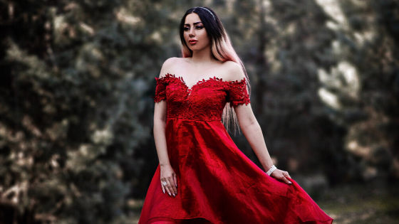 SIX REASONS TO WEAR A RED WEDDING DRESS
