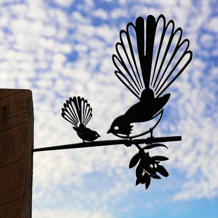 Metalbird - fantail with baby