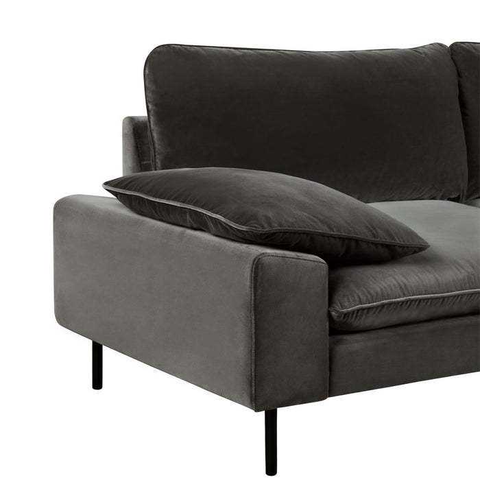 Studio 3seat sofa - Cotton Velvet concrete colour - arm detail