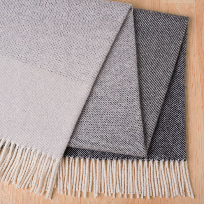 Piha lambswool throw - coal
