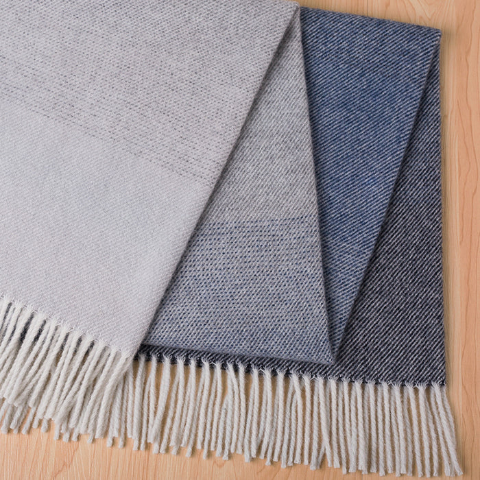 Piha lambswool throw - eclipse