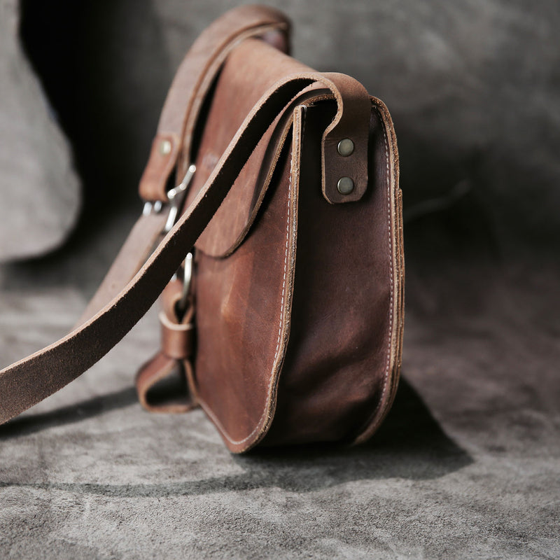 The Derby Crossbody Fine Leather Purse