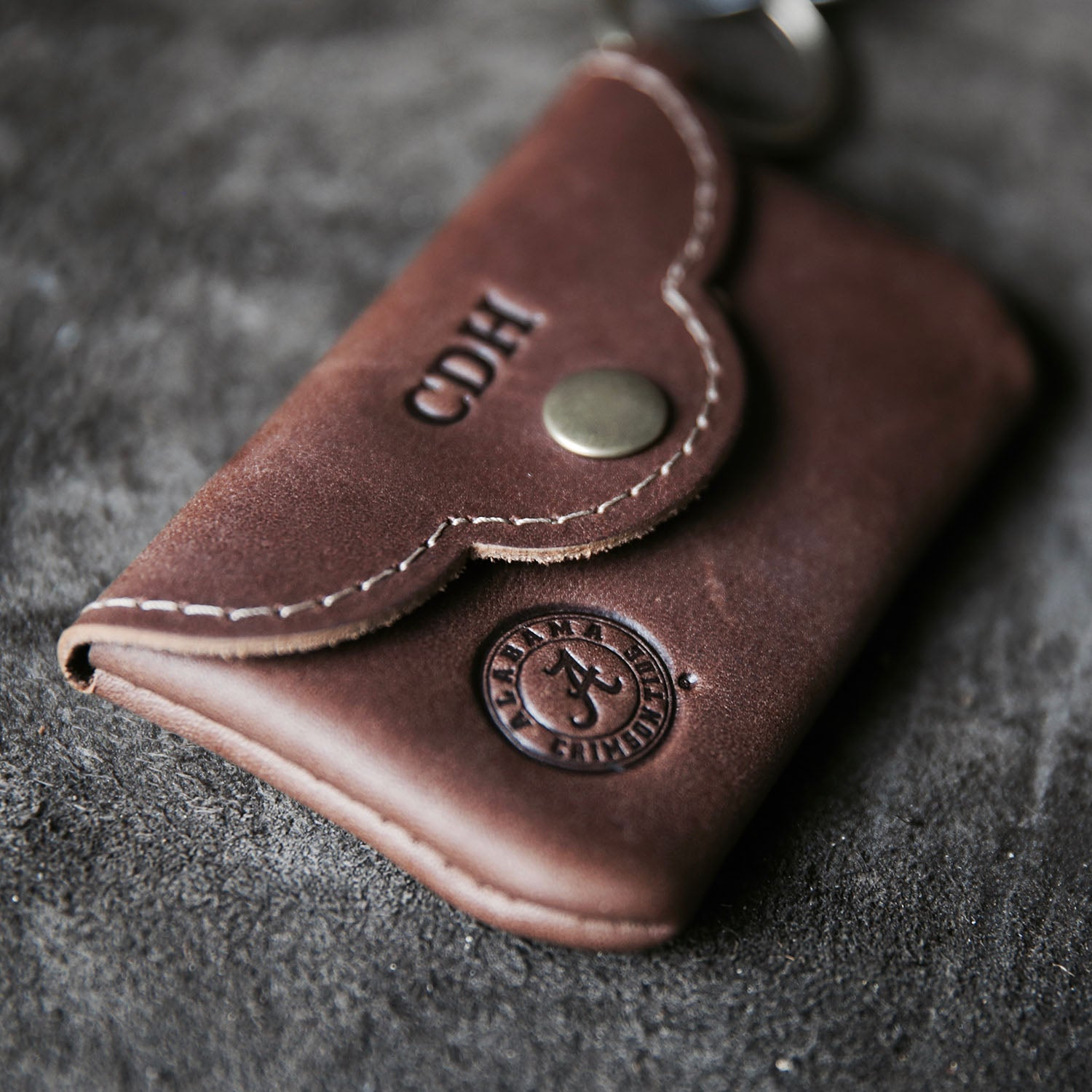 THE OFFICIALLY LICENSED CRIMSON TIDE Rosie Fine Leather Scallop Keychain  Wallet 364ce7c529bc