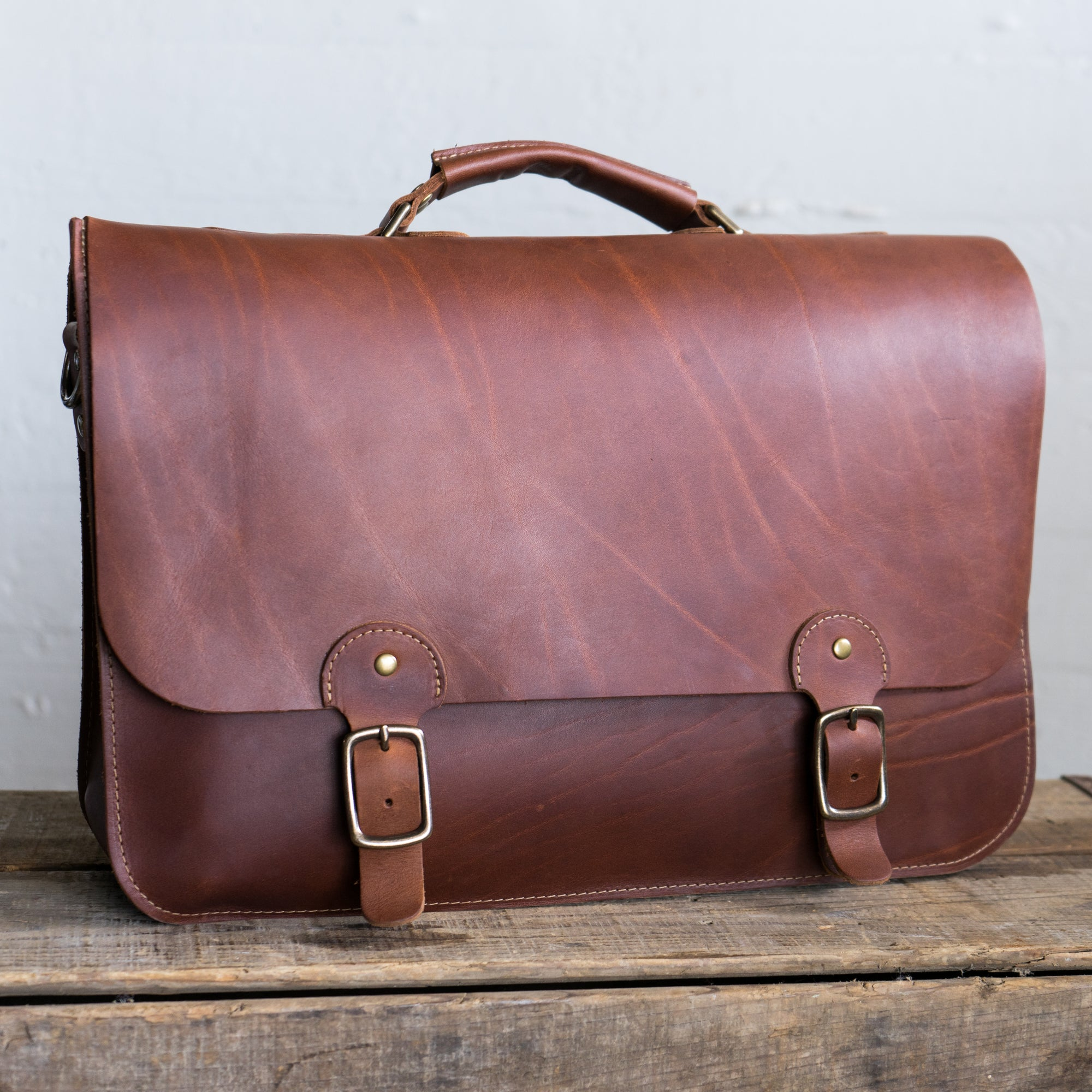 The No. 1860 EXPRESS - Fine Leather Messenger Bag & Mens Briefcase