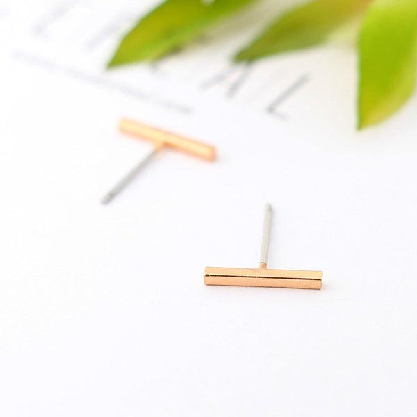 Lance Simple Bar Stud Earring Boucles d'oreilles à la mode