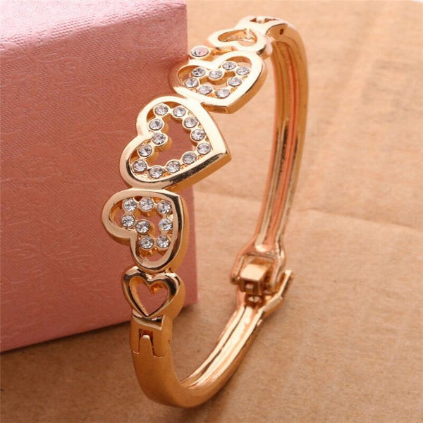 Lance Fashion Women Lady Gold Plated Crystal Cuff Bangle Love Heart Charm Bracelet One