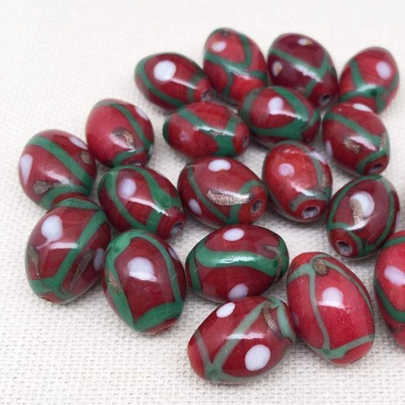 20 Vintage Abstract Red Oval Glass Beads