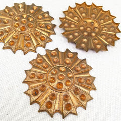 1 Vintage Brass Flower Stone Setting Stamping