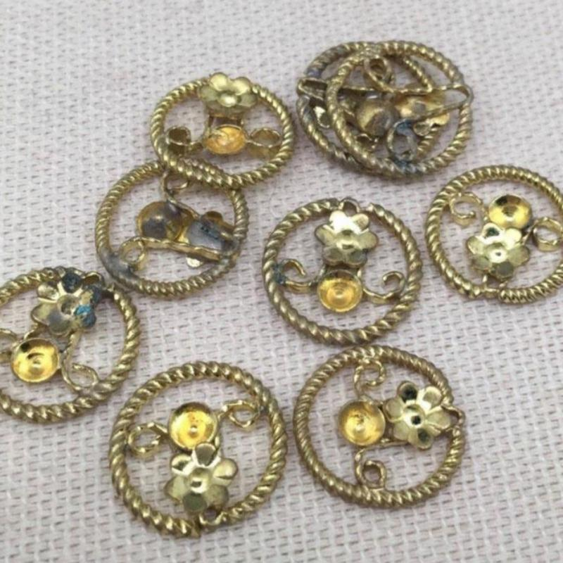 20 Vintage Brass Floral Cup Bezel Charms