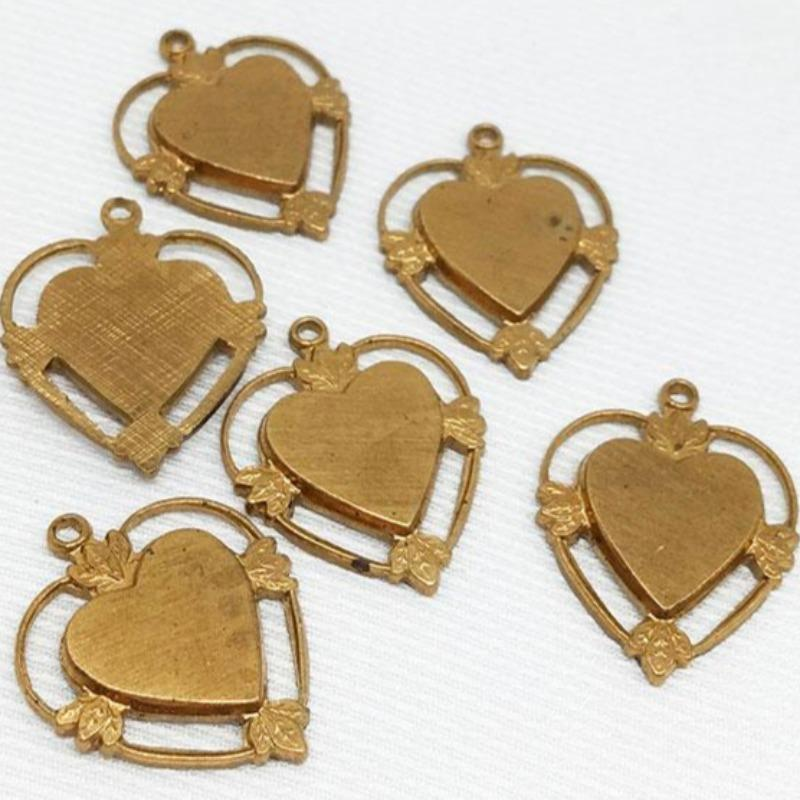 10 Vintage Solid Brass Heart Pendants
