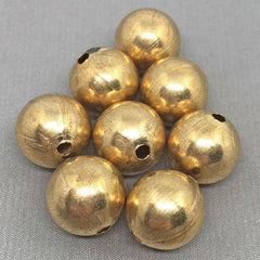 8 Vintage Heavy Brass Round Metal Beads