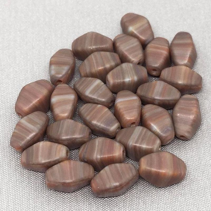 24 Vintage Red Brown Striped Czech Rhombus Diamond Glass Beads