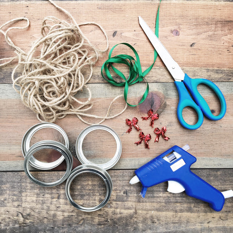 Social Crafts - DIY Mason Jar Wreath Ornaments
