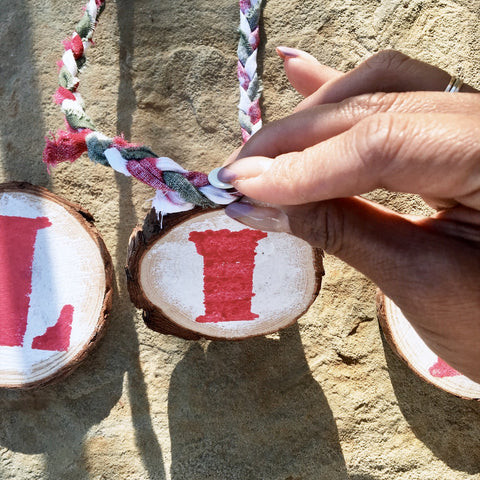 Social Crafts - DIY Wooden Holiday Banner Craft