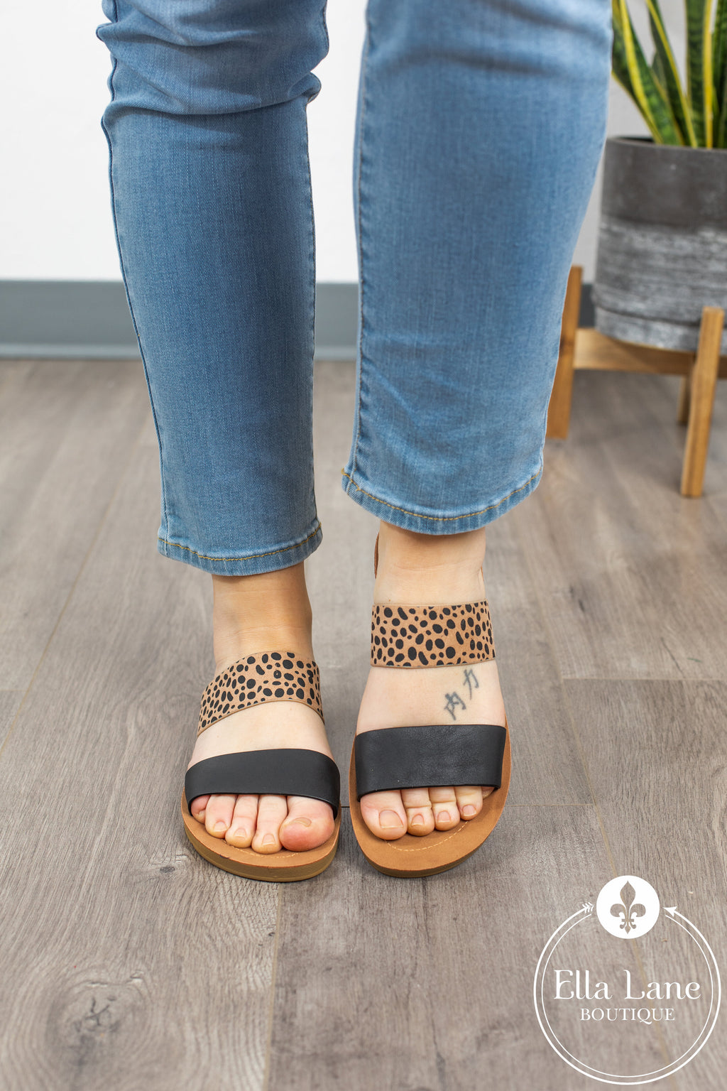 Leopard Slide Sandals - Black Accent