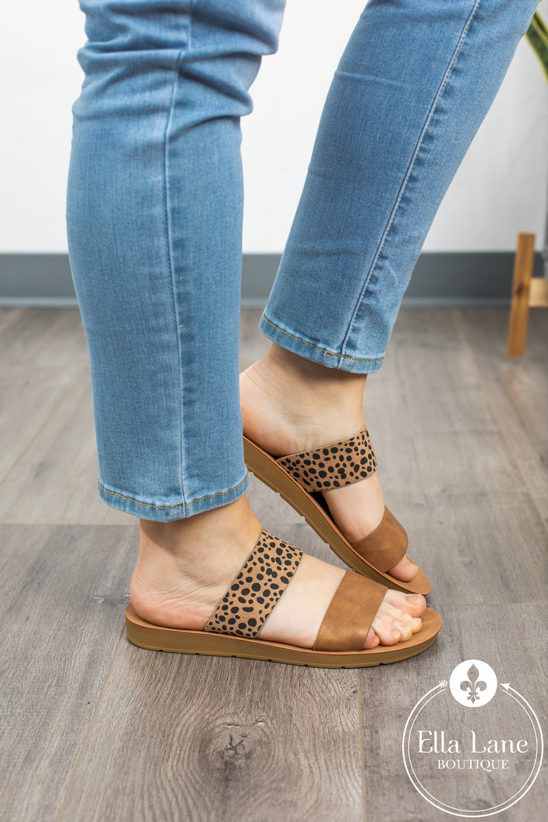 Leopard Slide Sandals - Tan Accent