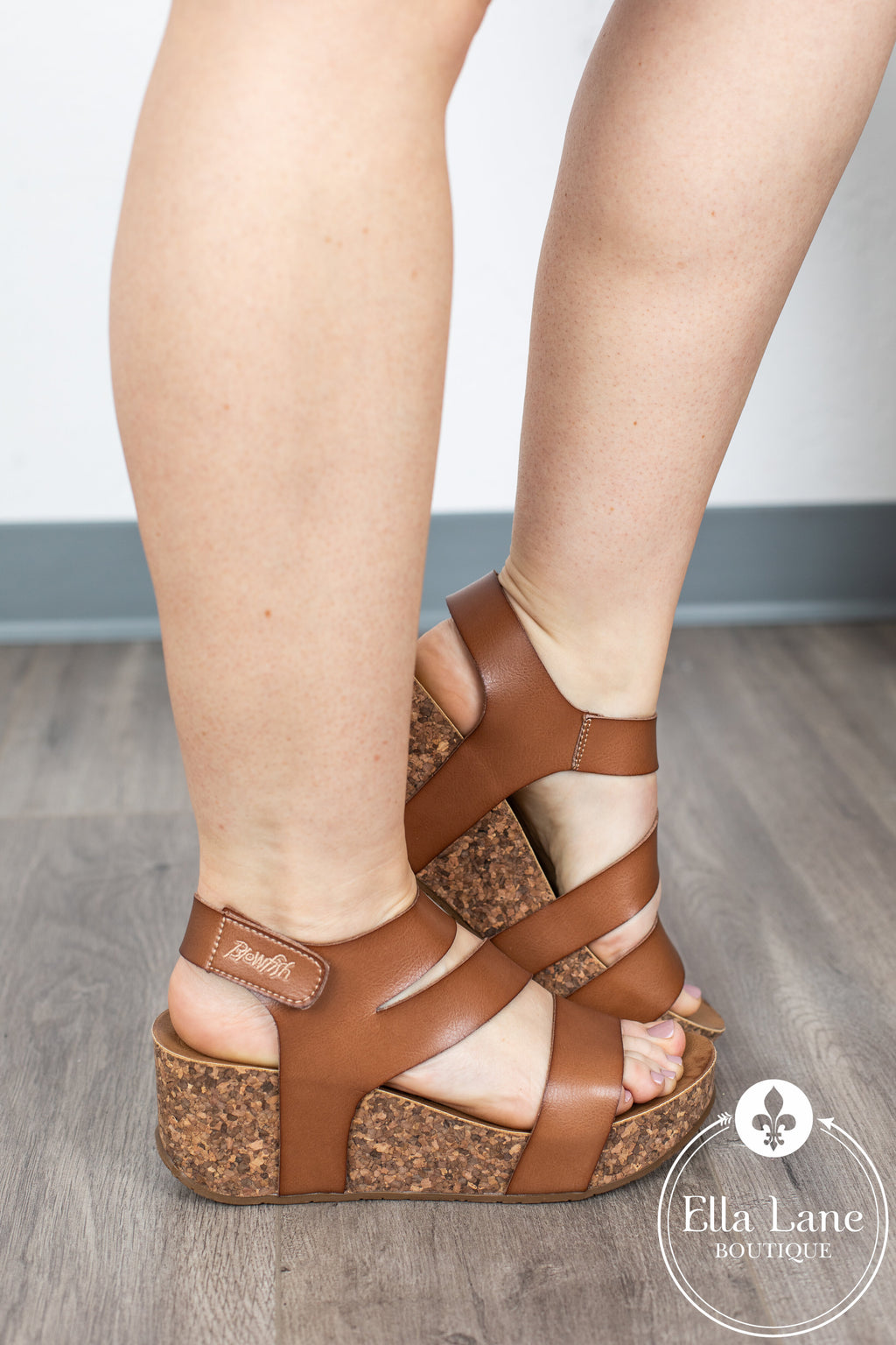 LeeLee Wedge Sandals - Arabian Sand