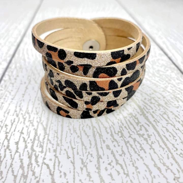 Sliced Leather Cuff - Sparkle Leopard