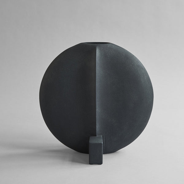 Guggenheim Vase, Big - Black