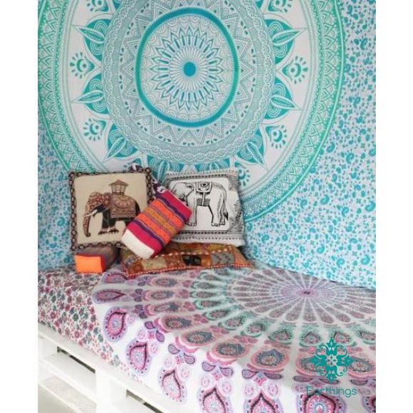Sea Green Large Leafs Circle Ombre Tapestry - EarthingsSA