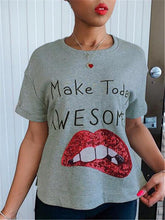 Load image into Gallery viewer, Sequin Lip Tee